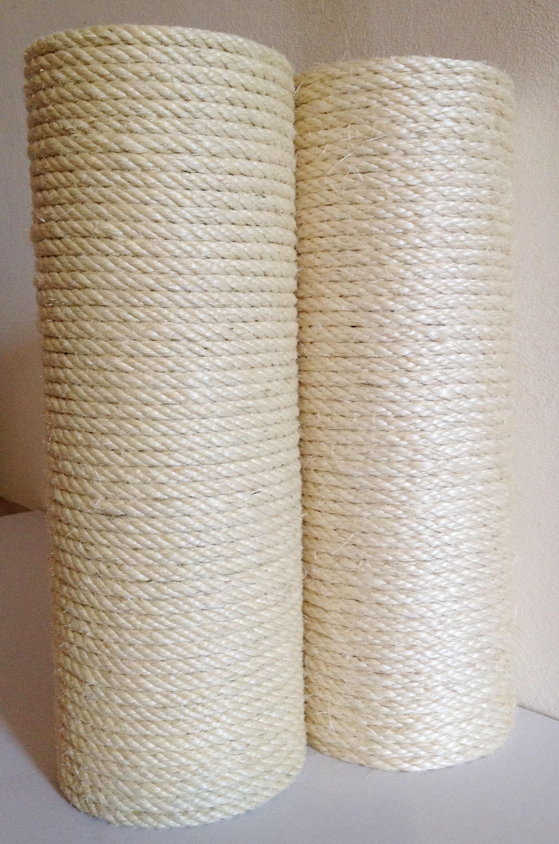Pali in massello di castagno - corda di sisal chiara di qualità superiore / bianco del Madagascar